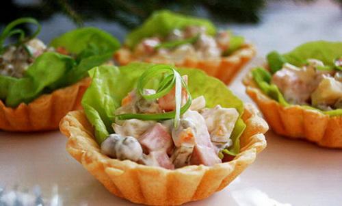 как красиво украсить салат оливье