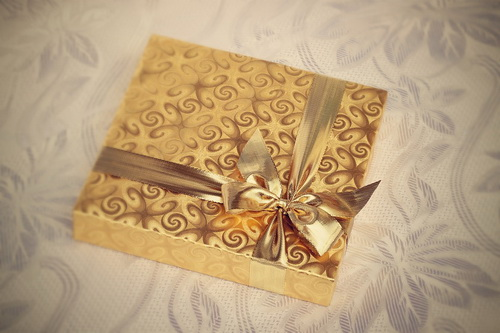 Как сделать на 8 марта дорогой подарок маме