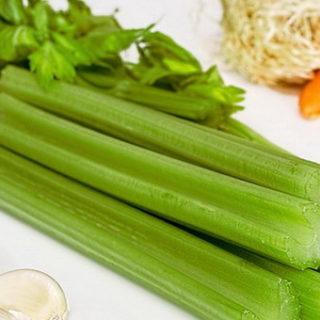Суп для похудения из сельдерея, лука, капусты, болг. перца, помидоров