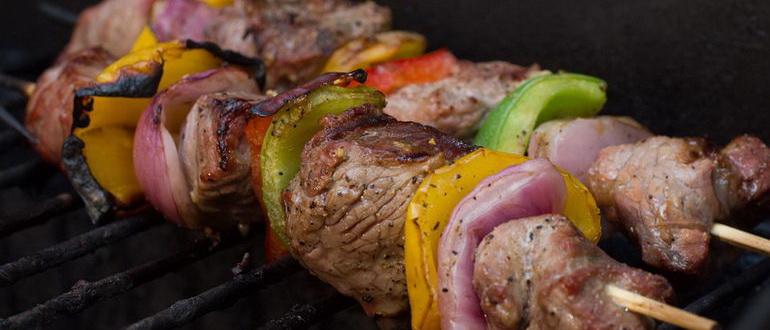как замариновать шашлык из свинины чтобы мясо было сочным