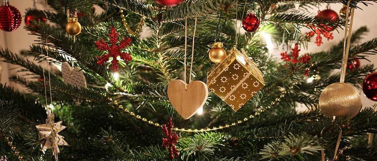 деревянное сердечко на елку